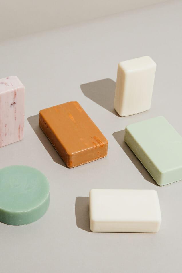 Có thể dùng xà phòng trên vùng da mụn của bạn?