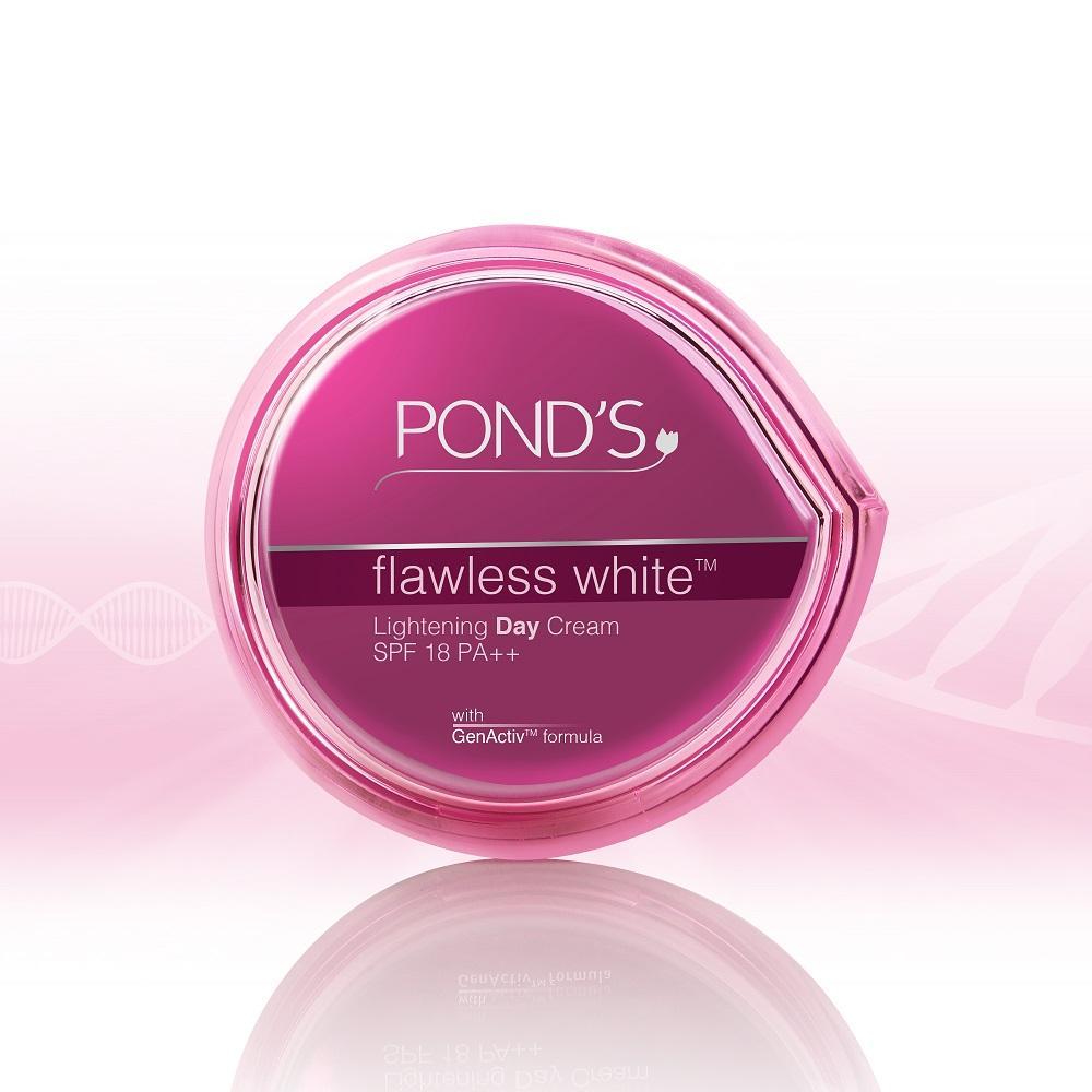 Kem dưỡng ban ngày Pond's Flawless White