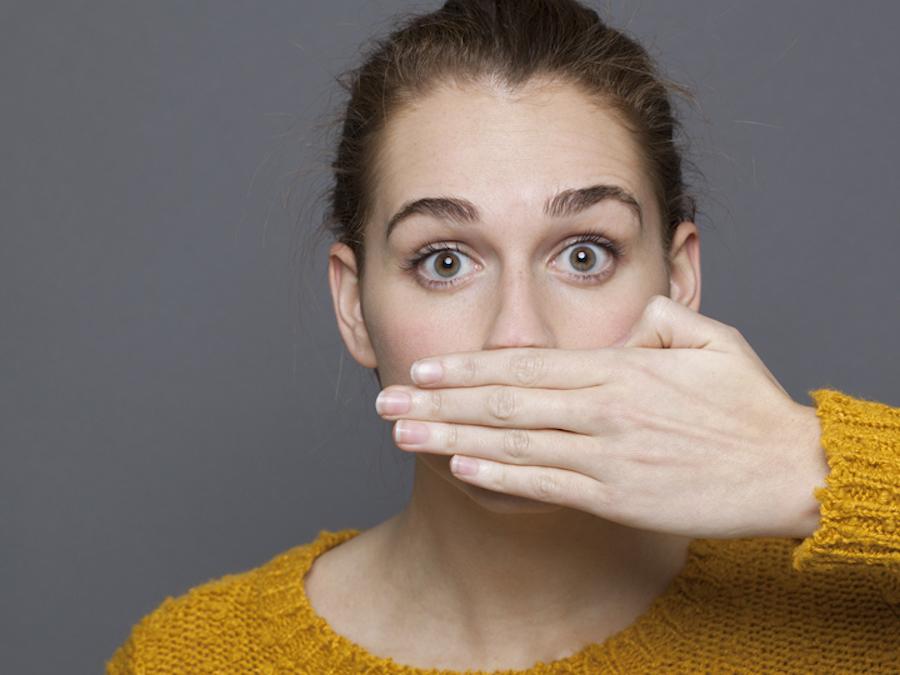 Đâu là lý do khiến hơi thở của bạn ngày càng nặng mùi hơn?