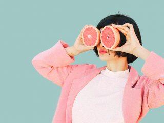 Vitamin C có phải là người bạn của những loại kem chống nhăn mắt?