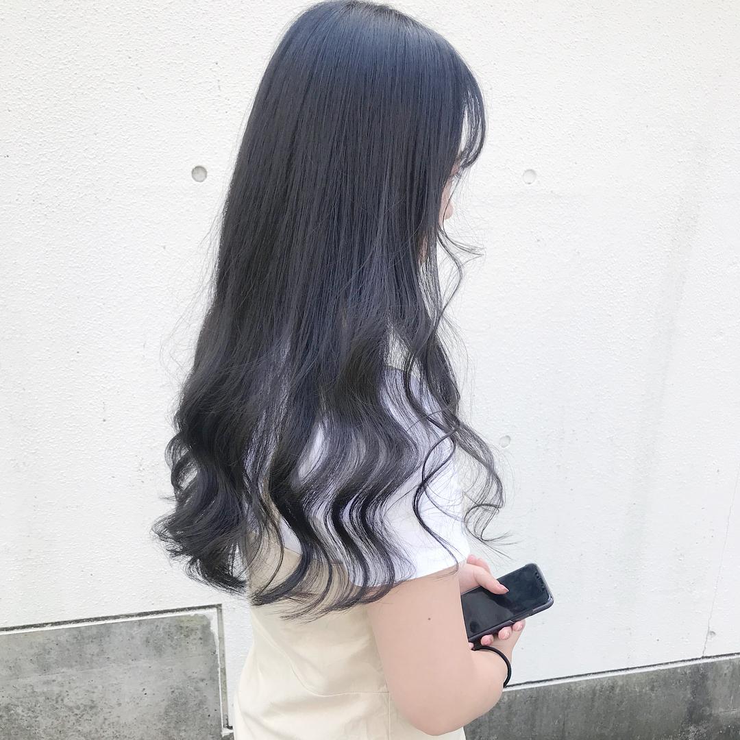 Tóc dài xoăn đuôi
