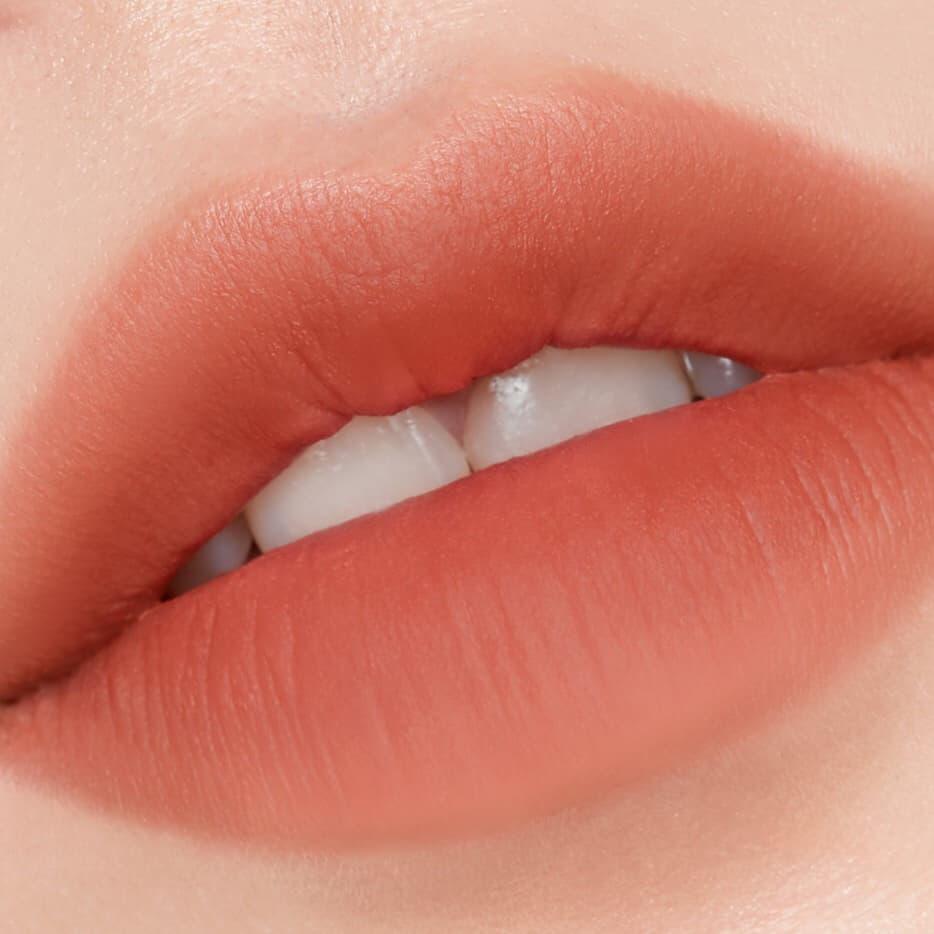 lớp nền cho đôi môi