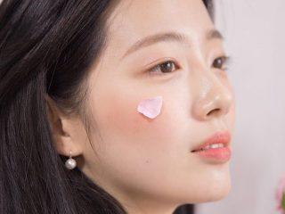 Bạn đã ghi lại hết các bí quyết chăm sóc da mặt khô từ bác sĩ da liễu chưa?