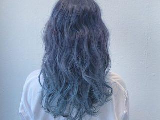 Đến hè là phải nhuộm tóc xanh thì mới hot được
