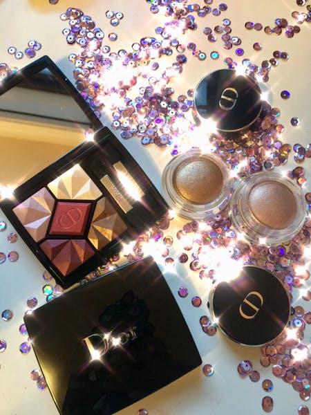 Bạn có thể bắt trend kira kira makeup với những item này!