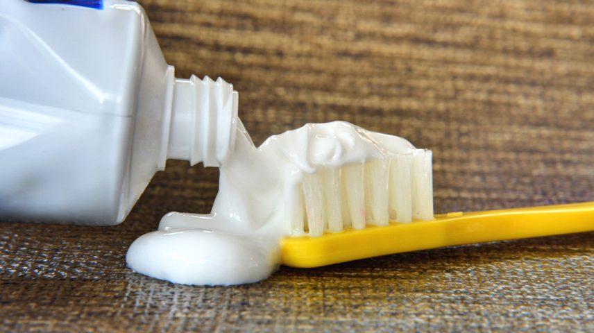 tẩy trắng răng không ê buốt