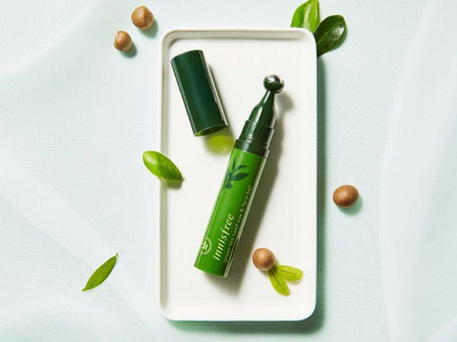 Bạn có cần bút dưỡng và massage Innisfree Green Tea Seed Eye & Face Ball?