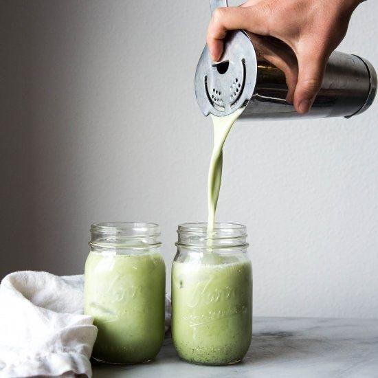 Công thức smoothies mùa hè từ Matcha trà xanh vừa ngon bổ rẻ lại hỗ trợ đẹp da