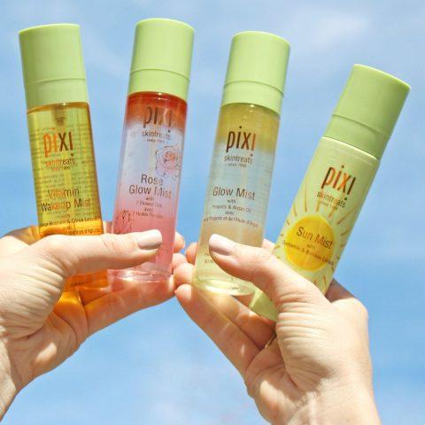 Xịt khoáng – item không thể thiếu cho da mặt bị khô mùa hè này