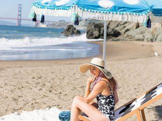 Các chuyên gia đã cho gì vào túi đựng đồ trang điểm đi biển?