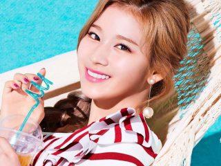 Khởi động mùa hè với những xu hướng màu tóc rực rỡ chuẩn sàn diễn cho nàng tóc dài