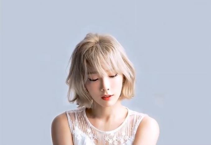 tóc màu vàng bạch kim