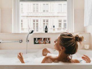 """Bồn tắm có thật sự giúp cơ thể bạn """"sạch bong sáng bóng""""?"""