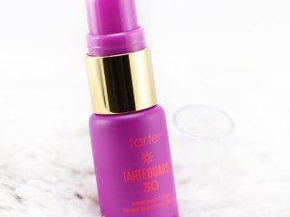 Tarte Tarteguard 30 Vegan Sunscreen Lotion SPF 30: Sản phẩm tốt nhất cho nàng da dầu