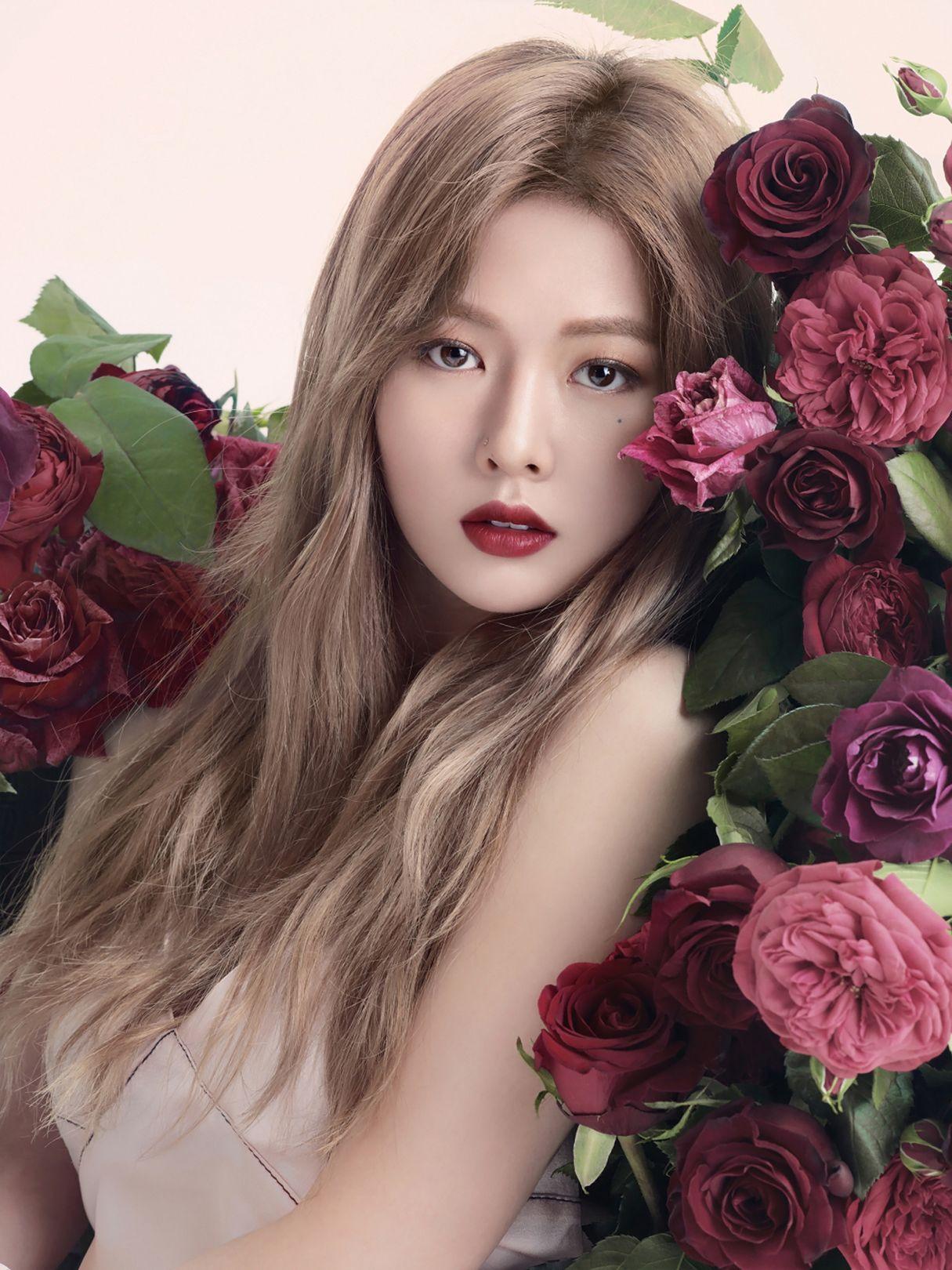 Nhìn Hyun Ah diện tóc vàng khói như này đố ai mà không mê