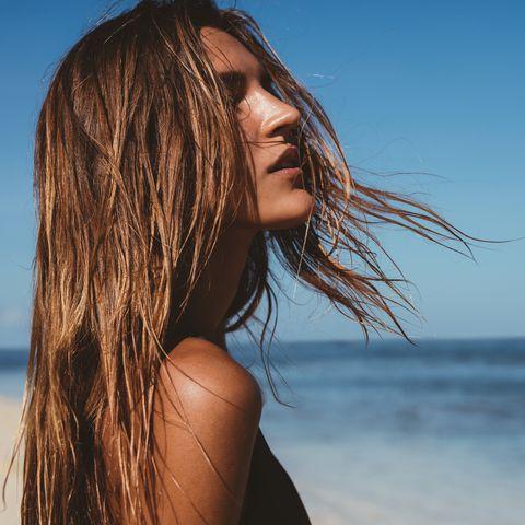 8 công thức kết hợp tóc nâu + highlight dành riêng cho mùa hè