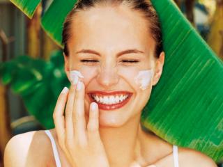 Mách nàng 6 dòng kem chống nắng vật lý hứa hẹn bảo vệ da tốt nhất dưới ánh mặt trời