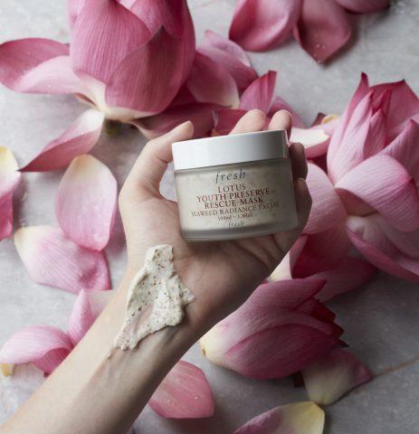 Hoá ra hoa sen đã là thành phần quen mặt trong các sản phẩm skincare từ lâu