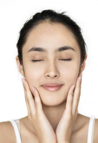 Bí kíp chống lão hóa và sử dụng kem dưỡng ẩm cho làn da trẻ trung