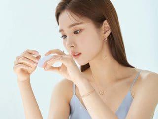 Điểm nhấn của Shin Se Kyung không phải trang phục mà lại là kiểu tóc đẹp của cô!