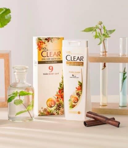 Vì sao nên chọn Dầu gội Clear Botanique 9 tinh dầu để đánh bay gàu?