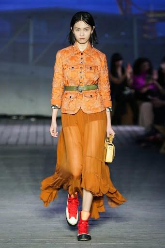 Bắt trend mà cam từ Runwat đến Street-Way