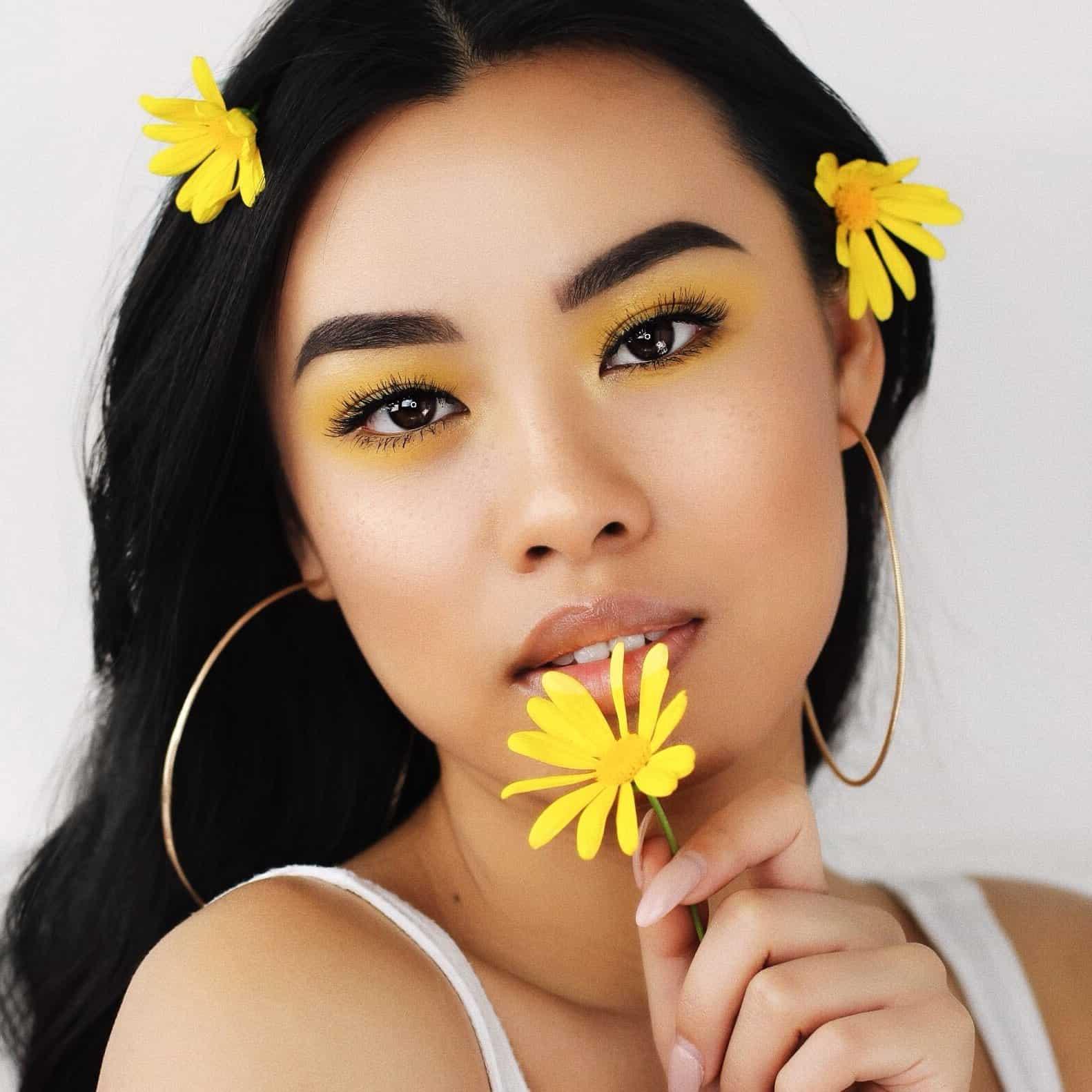 beauty blogger Joanna Vongphoumy