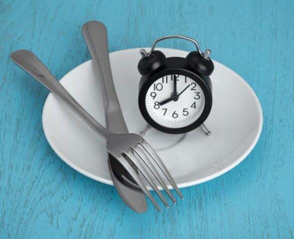 IF (Intermittent Fasting) và 5 cách giúp bạn áp dụng thành công chế độ ăn kiêng hiệu quả này