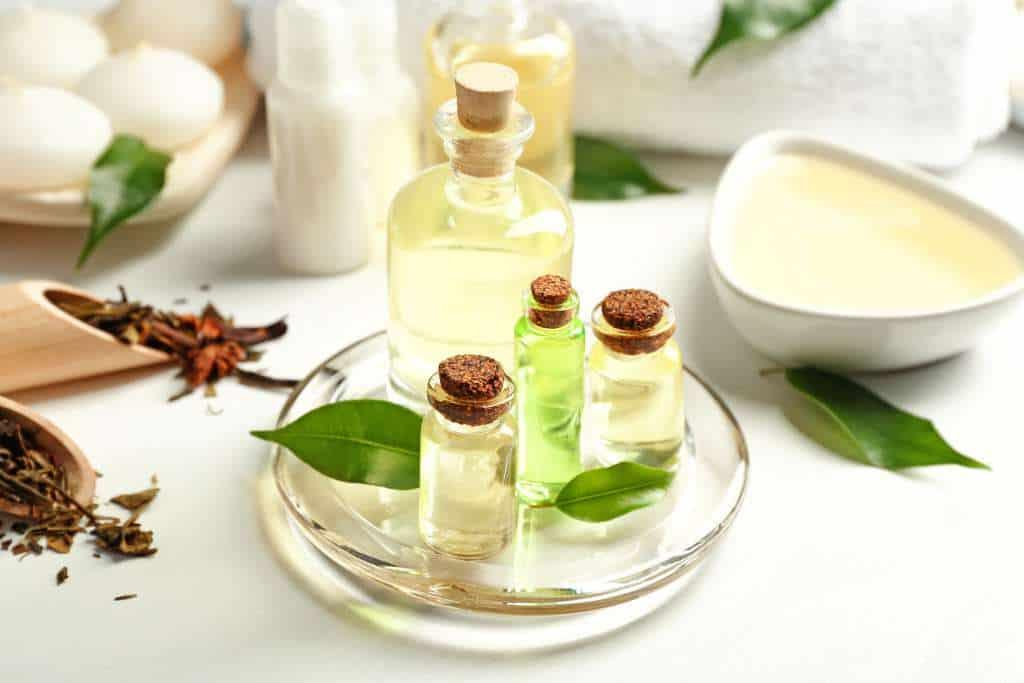 Tinh dầu tràm trà có khả năng điều trị tất cả các vấn đề về da