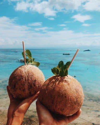"""Bạn có biết: Dầu dừa có thể """"xóa sạch"""" vết thâm chỉ trong 1 tháng?"""