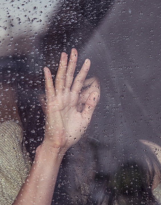 Bạn cần chăm sóc da như thế nào khi mùa mưa kéo dài liên tục?
