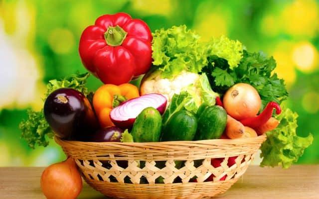 ăn rau xanh giúp tăng chiều cao