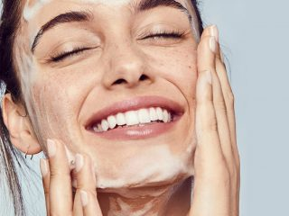 Nếu rửa mặt còn không đúng cách thì làm sao để có làn da sạch khoẻ căng bóng được chứ?