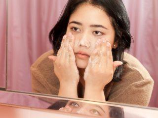 7 Mẹo chăm sóc da vào buổi tối để bạn tự tin thức dậy với làn da tươi mới, trẻ trung