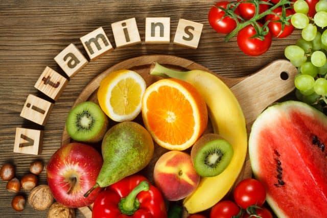 Các nhóm vitamin nào thì tốt nhất cho làn da mụn của bạn?