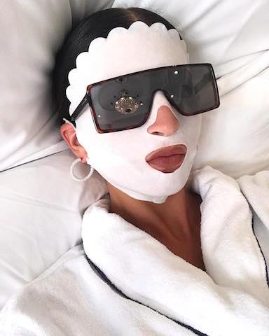 Vì sao mặt nạ giấy là liều thuốc tuyệt vời cho làn da sạm màu, nhăn nheo?