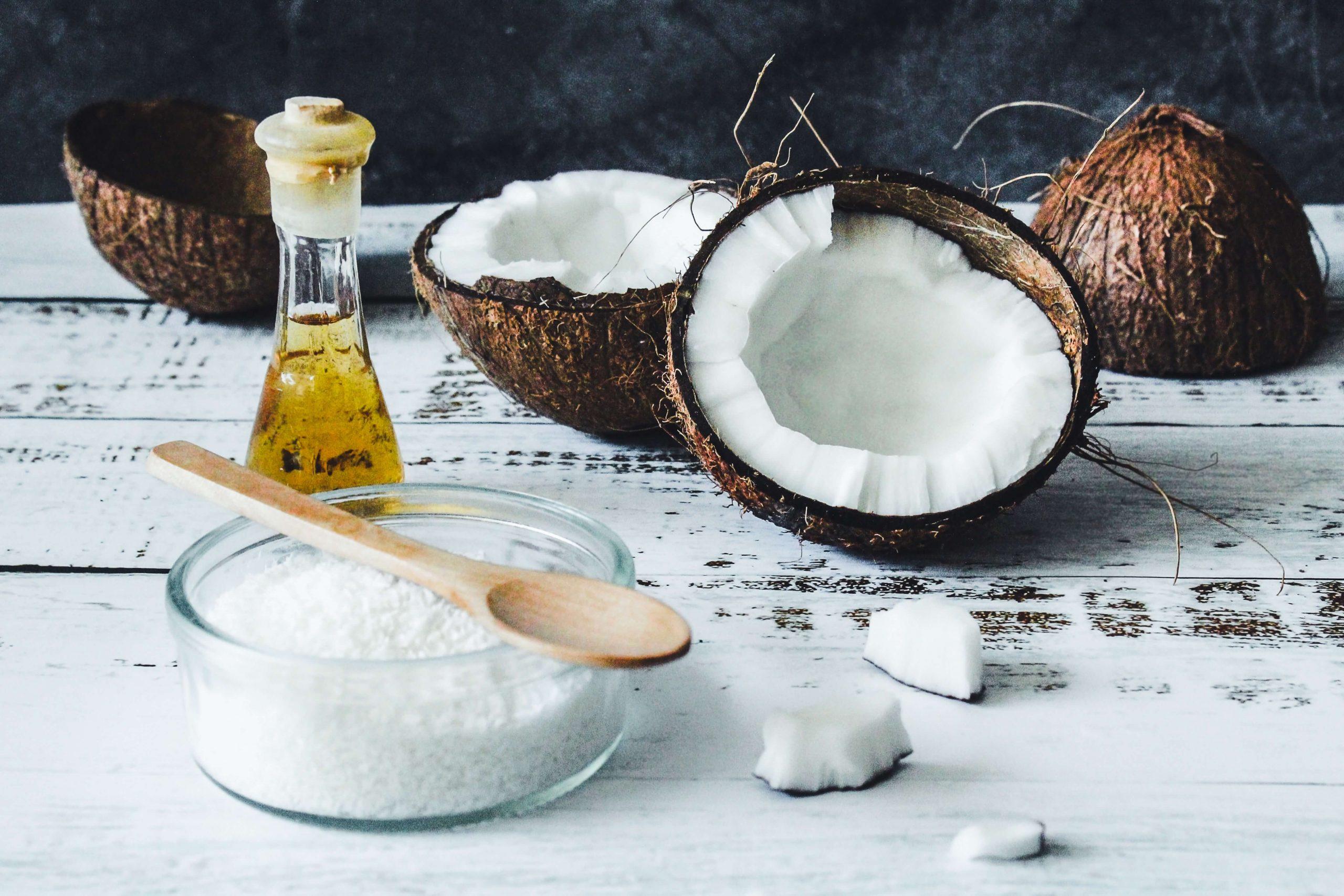 Cách dưỡng da tay bằng dầu dừa