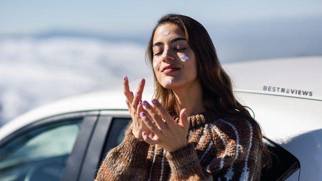 Mẹo giúp kem chống nắng lâu trôi nàng da dầu cần note lại gấp!