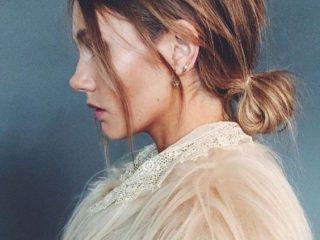 Bật mí cho bạn cách búi tóc thấp cực sang trọng và quyến rũ chỉ trong 6 bước
