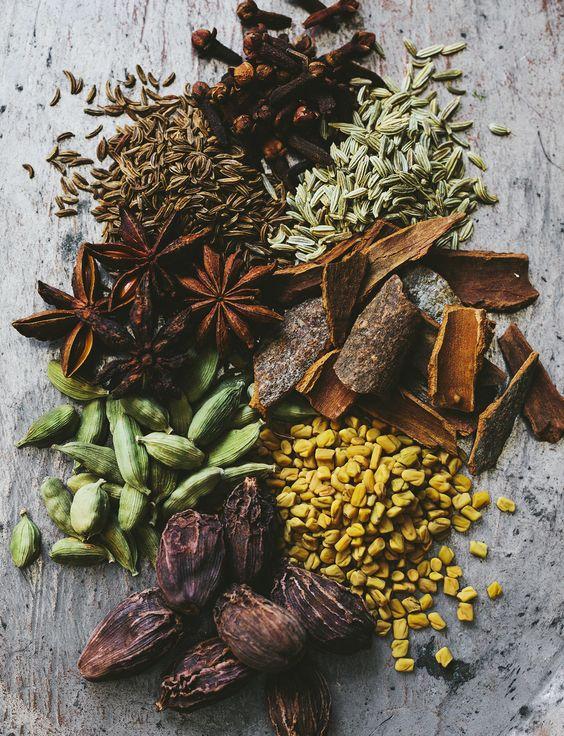 Hạn chế ăn những thực phẩm nặng mùi