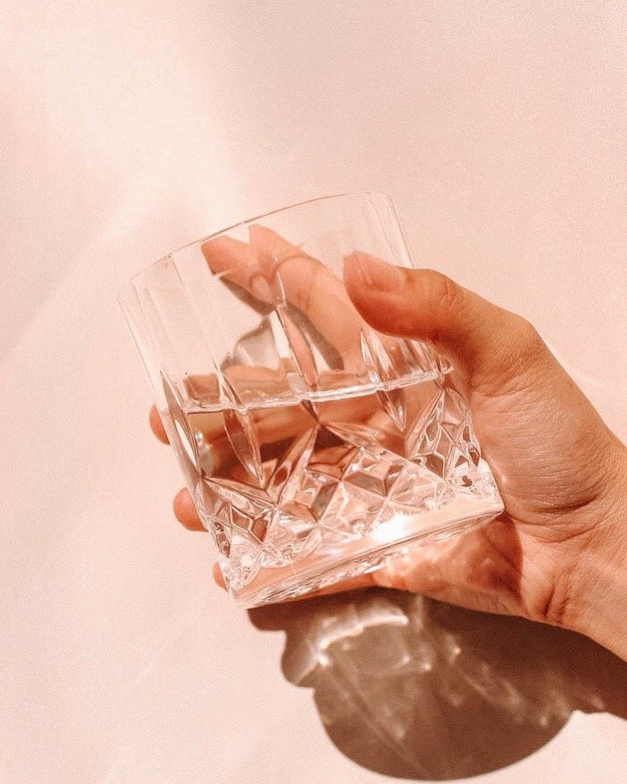 """""""Đổi đời"""" cho chính bàn tay khô ráp nứt nẻ của mình chỉ với 3 tips đơn giản"""