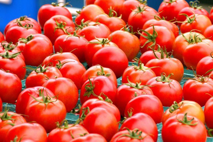 Cách trị mụn an toàn từ cà chua