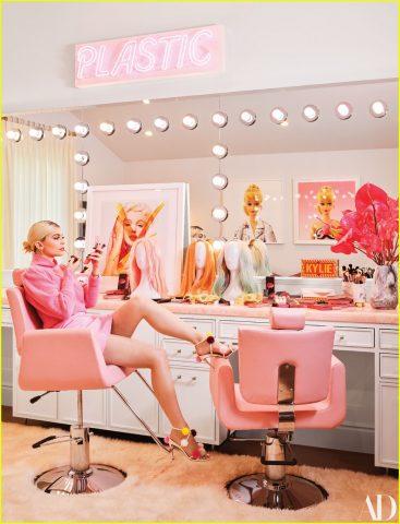 Văn phòng mới khai trương của Kylie Cosmetics – thiên đường là đây chứ đâu