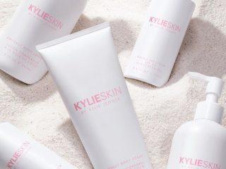 Kylie Skin' Summer Body Bundle: Dòng tẩy tế bào chết toàn thân mới toanh của Kylie Jenner