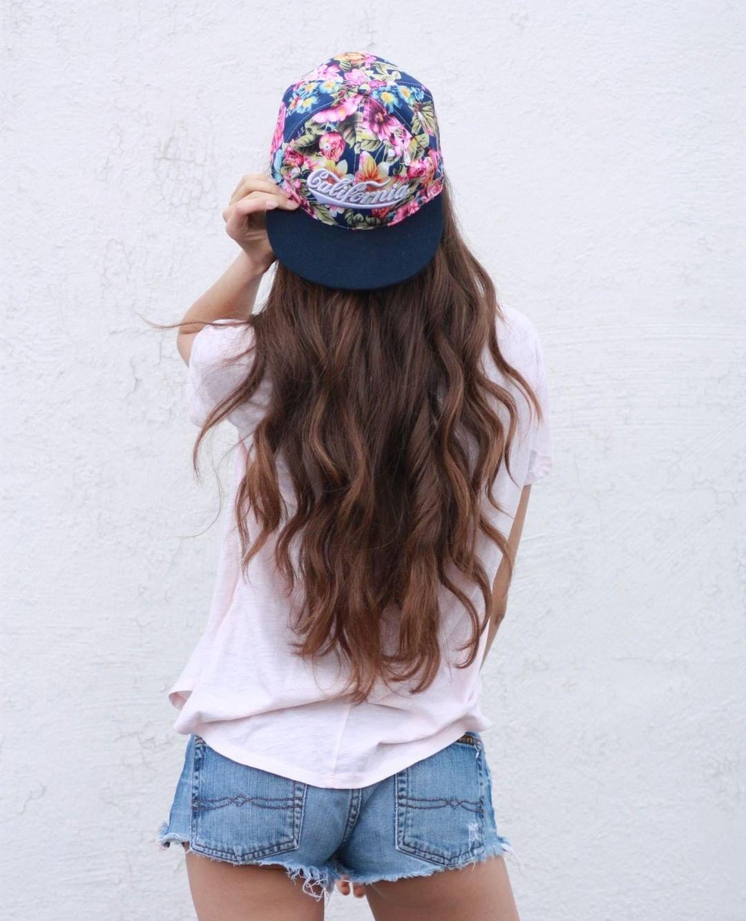 uốn tóc xoăn sẽ giúp mái tóc của bạn trở nên bồng bềnh hơn