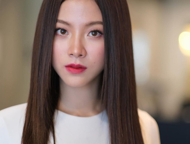 4 cách làm Tóc Duỗi Thẳng Tự Nhiên và 7 kiểu tóc duỗi thẳng nàng nào cũng mê