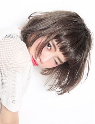 Khuyết điểm mặt dài sẽ được khắc phục ngay với các kiểu tóc này