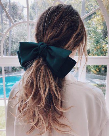Làm sao để cứu vãn mái tóc hư tổn của chúng ta bây giờ bạn nhỉ?