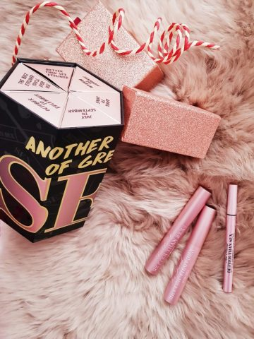"Too Faced Another Year of Great Sex – ""trợ thủ"" cho nàng muốn makeup đẹp"
