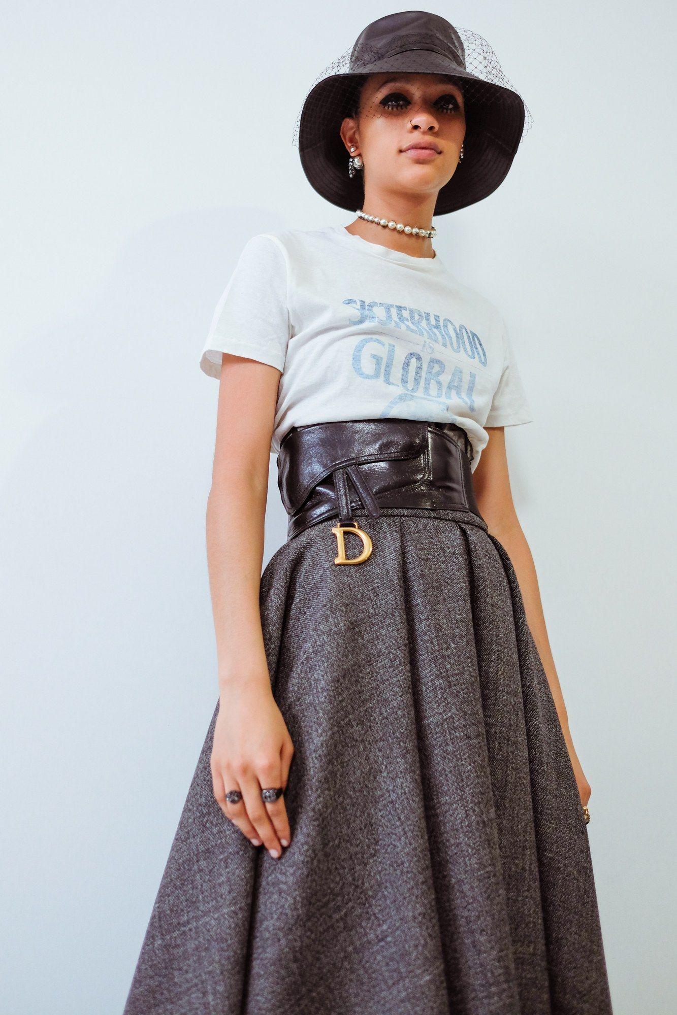 Áo phông & chân váy midi dáng xòe